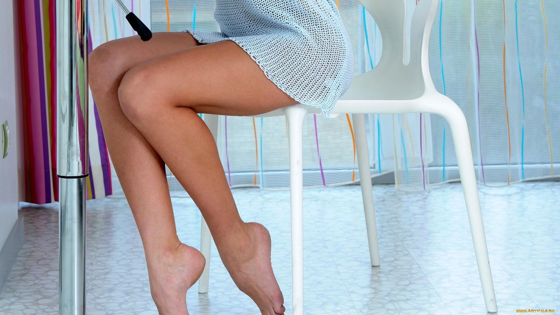 soblaznila-nogami
